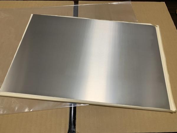 マイクロリアクター用の金属板が届きました